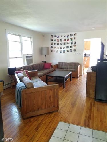 372 Halsey Rd, Parsippany, NJ - USA (photo 2)