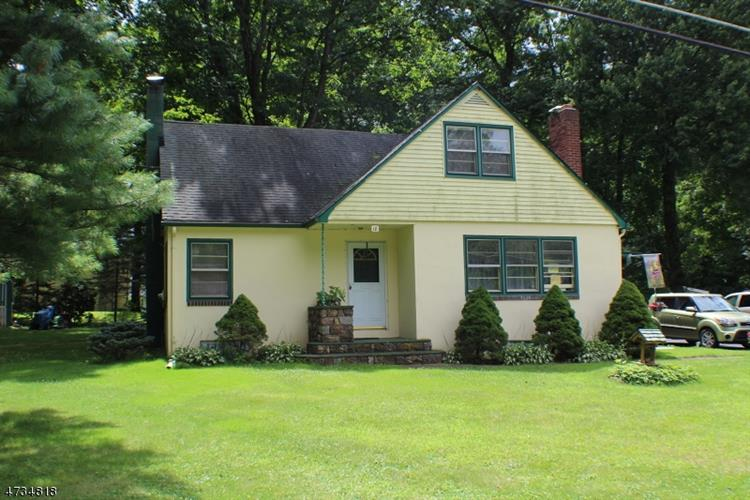 18 Little Paint Way, Andover, NJ - USA (photo 1)