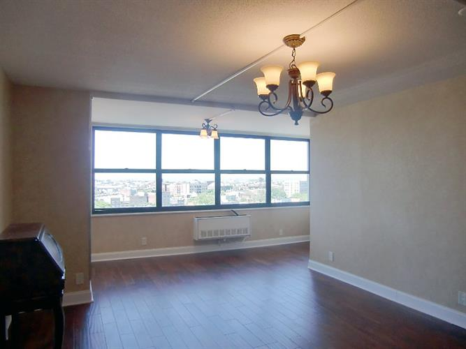 7000 Blvd East 31e, Guttenberg, NJ - USA (photo 4)