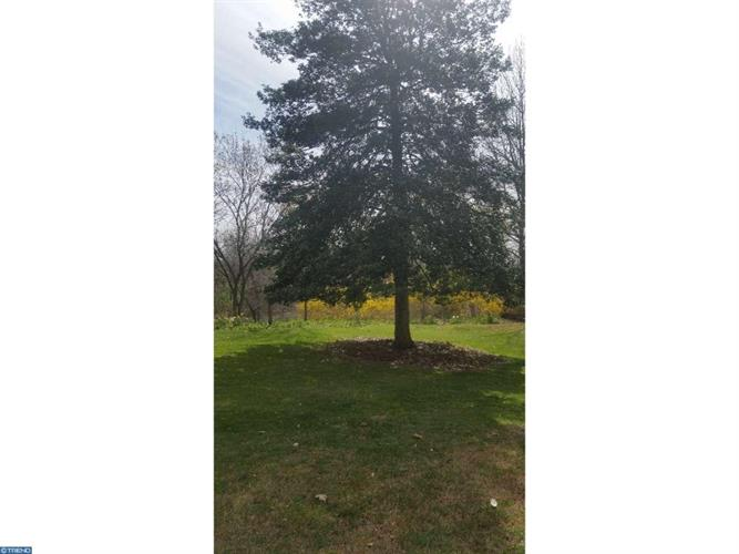 96 Green St, Mount Holly, NJ - USA (photo 5)