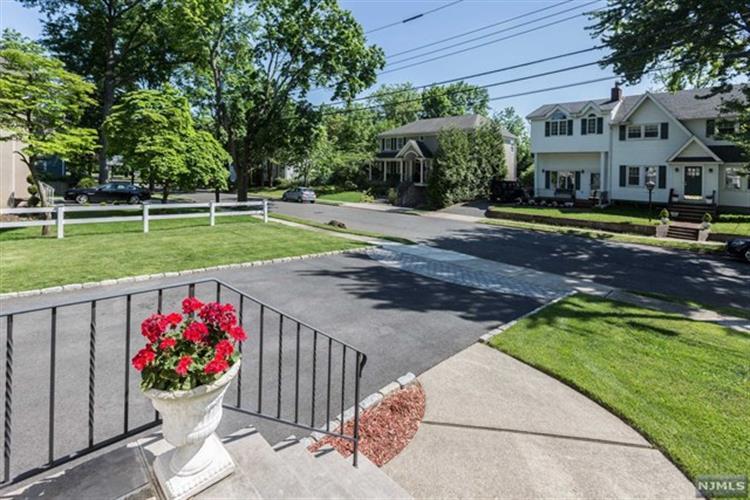 23 Highland Avenue, Demarest, NJ - USA (photo 3)