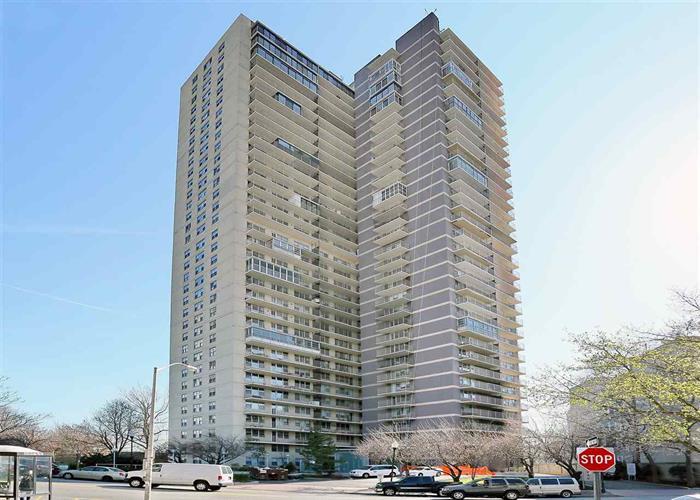 6040 Blvd East, Unit 18j 18j, West New York, NJ - USA (photo 1)