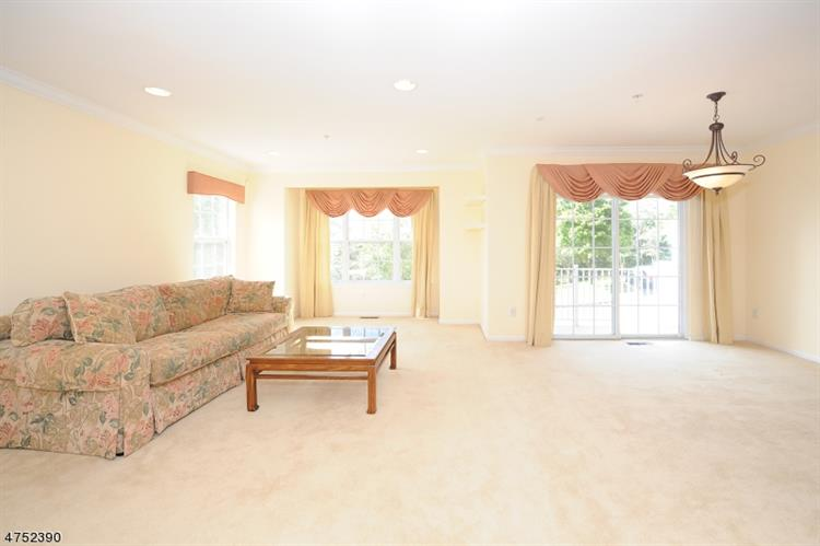 112 Ridge Dr, Pompton Lakes, NJ - USA (photo 4)