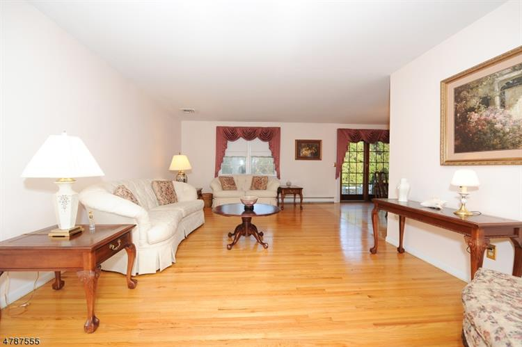 21 Indian Valley Rd, Ramsey, NJ - USA (photo 5)