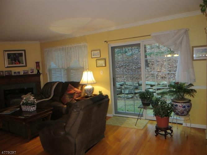 25 Primrose Ln, Mount Arlington, NJ - USA (photo 2)