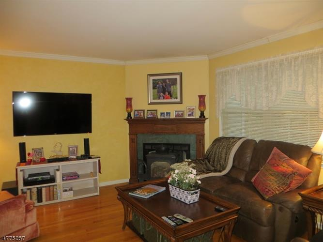 25 Primrose Ln, Mount Arlington, NJ - USA (photo 3)