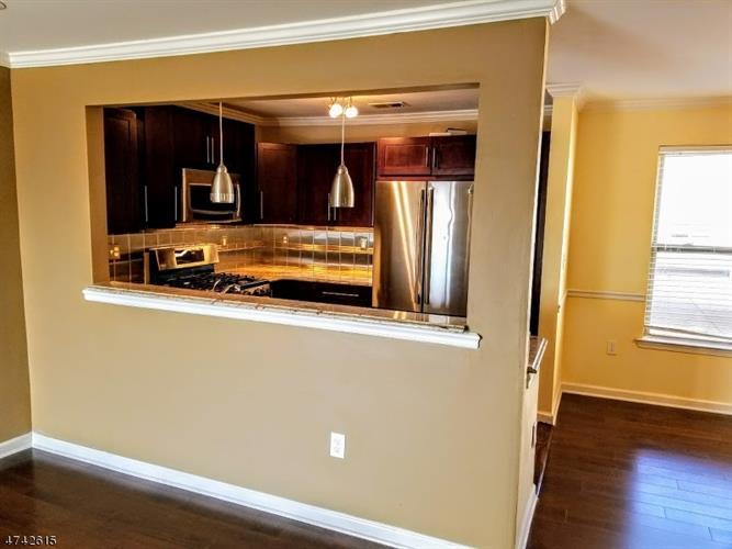 474 Great Beds Ct, Perth Amboy, NJ - USA (photo 4)
