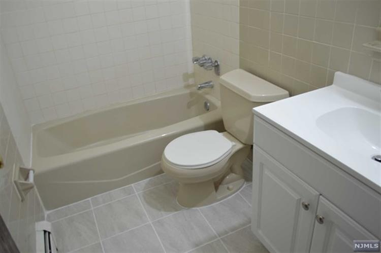 102 Bellgrove Drive, Unit #3a 3a, Mahwah, NJ - USA (photo 5)