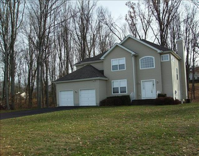 19 Knoll Ct, Fishkill, NY - USA (photo 1)
