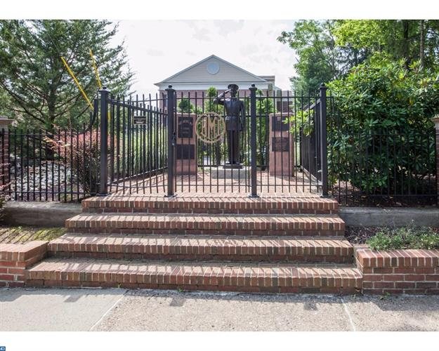70 E Park St #1-7 1-7, Bordentown, NJ - USA (photo 3)