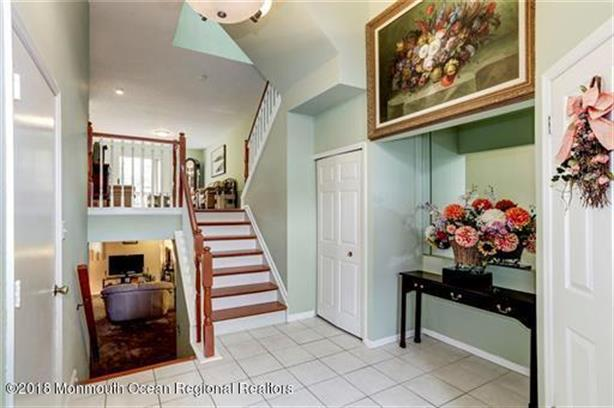 4 Daleron Place 50, Laurence Harbor, NJ - USA (photo 2)