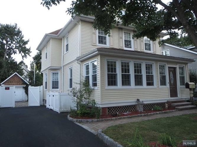 202 Tuxedo Ave, Hawthorne, NJ - USA (photo 1)