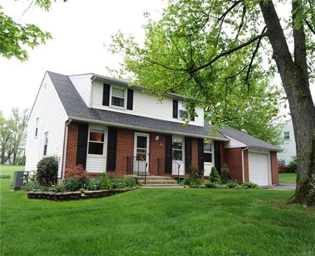 5849 Shepherd Hills Avenue, Allentown, PA - USA (photo 2)