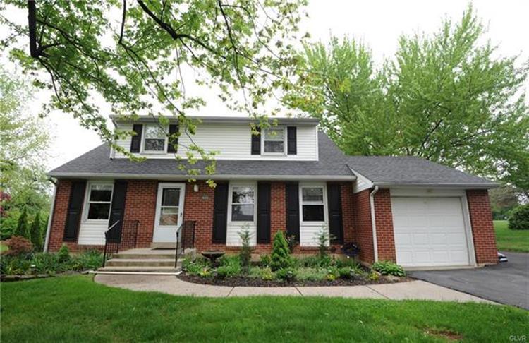 5849 Shepherd Hills Avenue, Allentown, PA - USA (photo 3)
