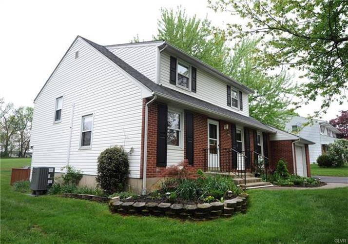 5849 Shepherd Hills Avenue, Allentown, PA - USA (photo 4)
