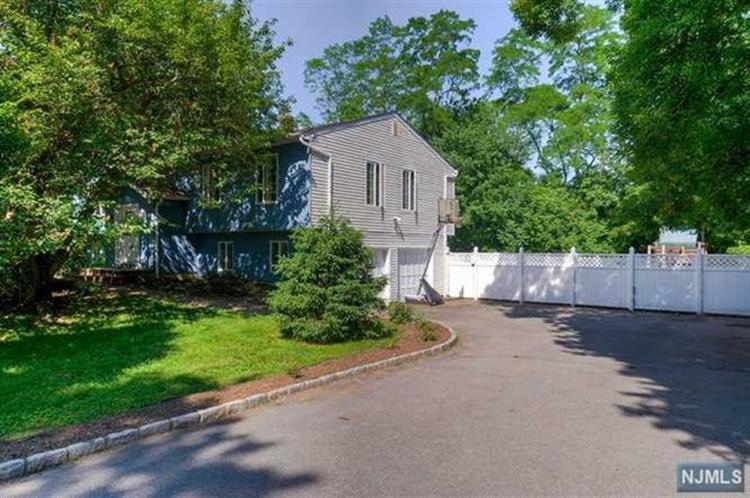 116 Burnham Rd, Morris Township, NJ - USA (photo 1)