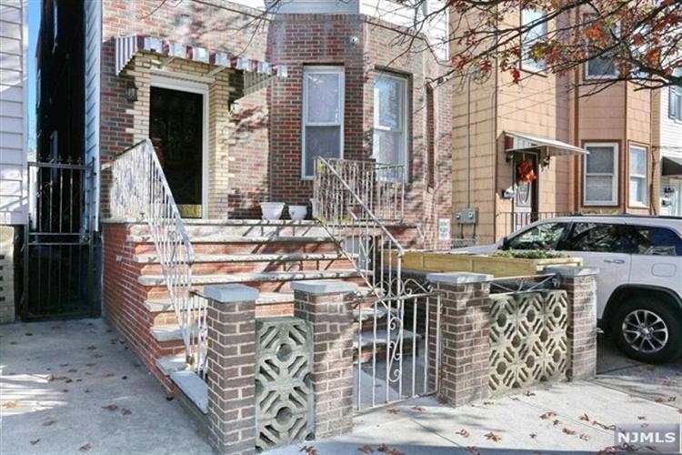 314 19th Street, Unit #4 4, Union City, NJ - USA (photo 2)