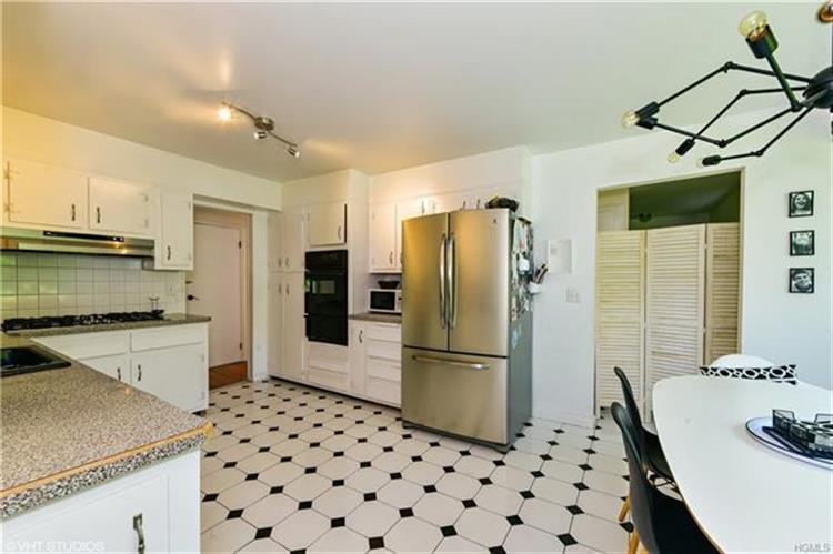 641 Barrymore Lane, Mamaroneck, NY - USA (photo 4)