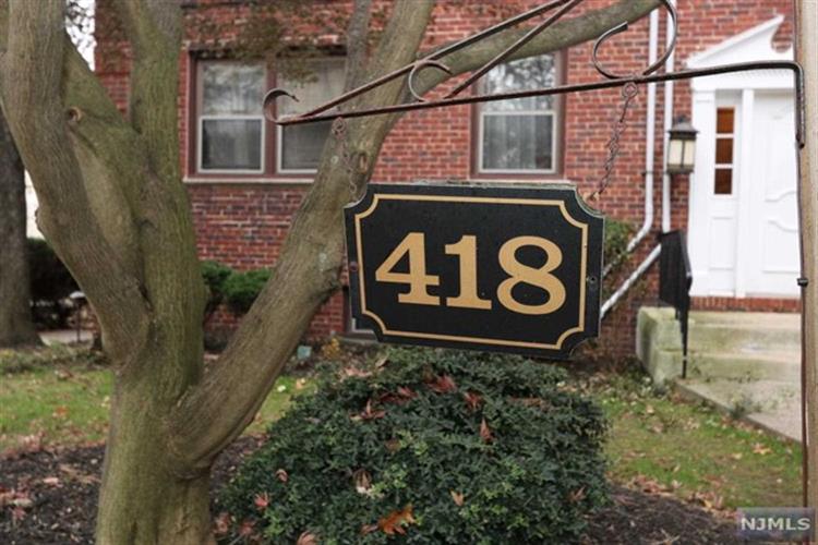 418 Main Street, Unit #a3 A3, Fort Lee, NJ - USA (photo 2)