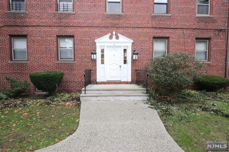 418 Main Street, Unit #a3 A3, Fort Lee, NJ - USA (photo 4)