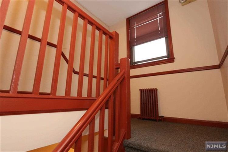 418 Main Street, Unit #a3 A3, Fort Lee, NJ - USA (photo 5)