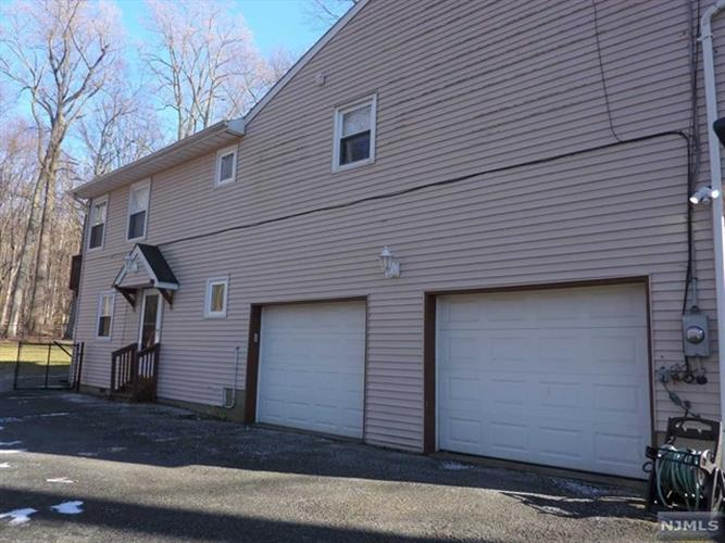 15 Knoll Drive, Denville, NJ - USA (photo 2)