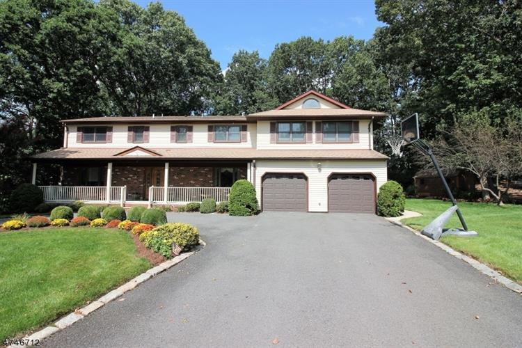 11 Lorraine Ct, East Brunswick, NJ - USA (photo 2)
