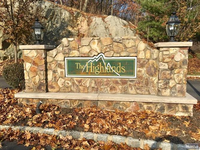 17 Mountainside Drive, Unit #17 17, Pompton Lakes, NJ - USA (photo 1)