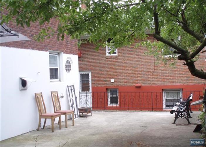 405 9th St 2nd Fl, Palisades Park, NJ - USA (photo 3)