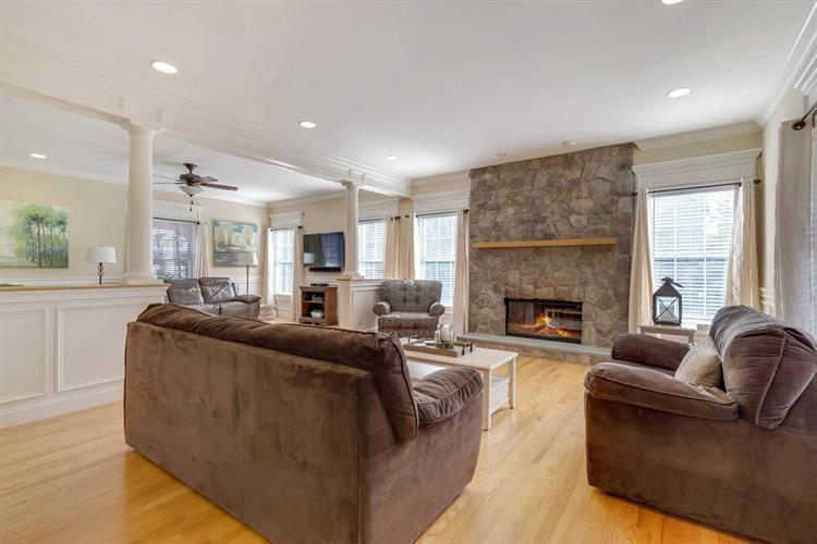 406 Sheafe Rd, Poughkeepsie, NY - USA (photo 5)