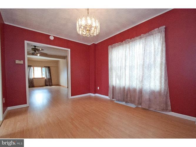 2113 Redwood Avenue, Boothwyn, PA - USA (photo 5)