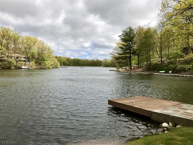 333 E Lakeshore Dr Lakefront, Vernon, NJ - USA (photo 5)