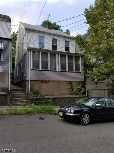 141 N 2nd St, Paterson, NJ - USA (photo 2)