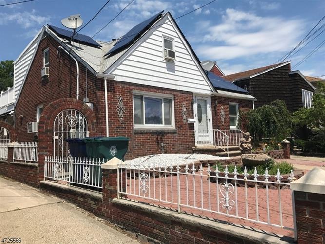 576 Harding Ave, Perth Amboy, NJ - USA (photo 2)