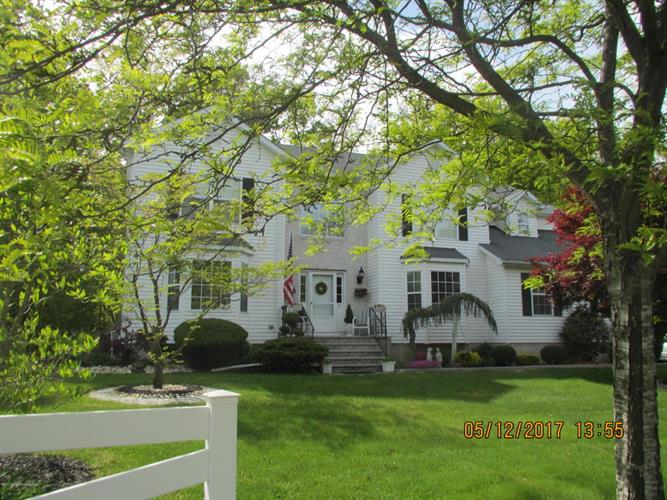 2 Hanna Drive, Lakewood, NJ - USA (photo 1)
