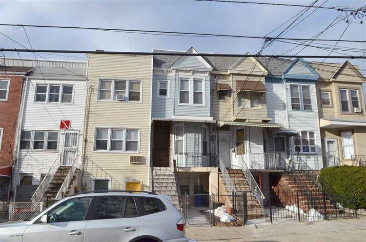 99 Orient Ave, Jersey City, NJ - USA (photo 1)