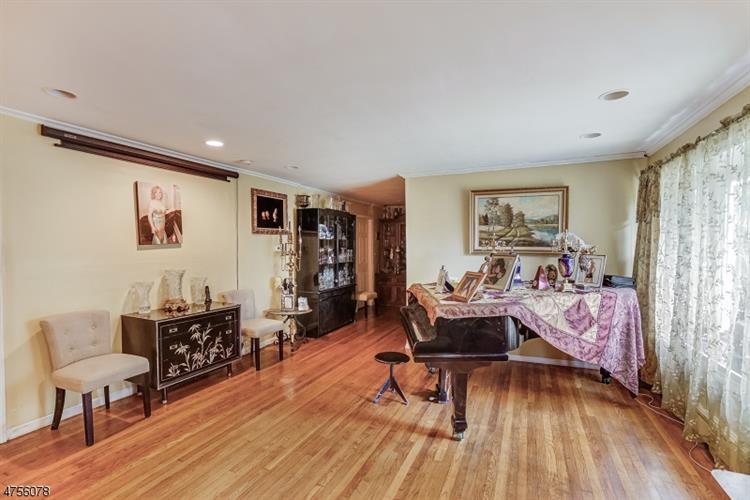 40 Old Indian Rd, West Orange, NJ - USA (photo 5)
