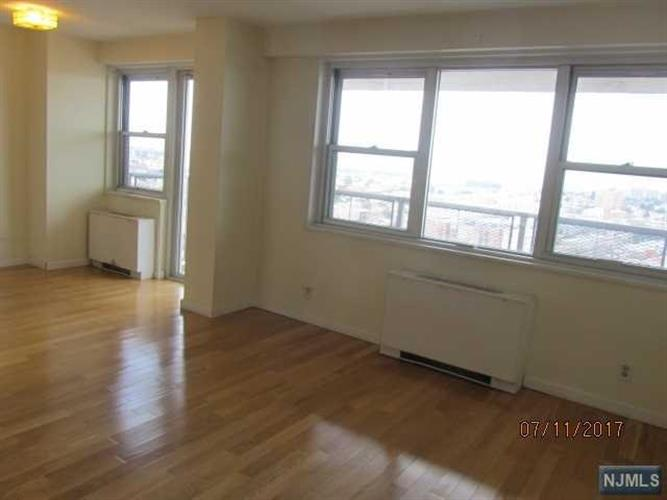 6600 Boulevard East 22f, West New York, NJ - USA (photo 3)