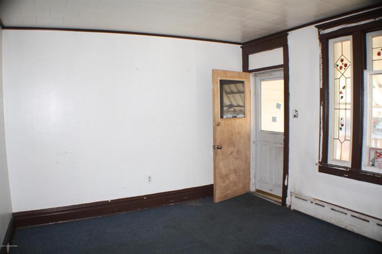 521 E Bertsch St, Lansford, PA - USA (photo 3)