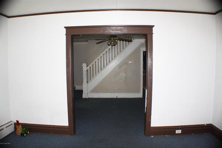 521 E Bertsch St, Lansford, PA - USA (photo 5)