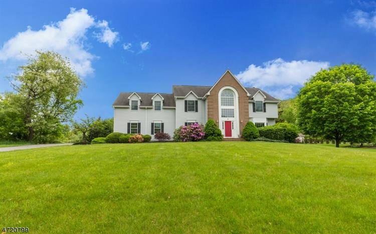 10 Yorkshire Dr, Township Of Washington, NJ - USA (photo 2)