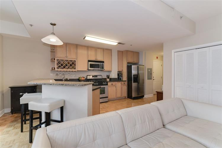 610 Newark St, Unit 9f 9f, Hoboken, NJ - USA (photo 2)