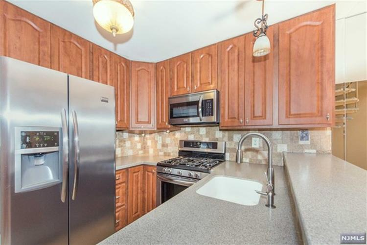 302 Hackensack St 208, Wood Ridge, NJ - USA (photo 5)