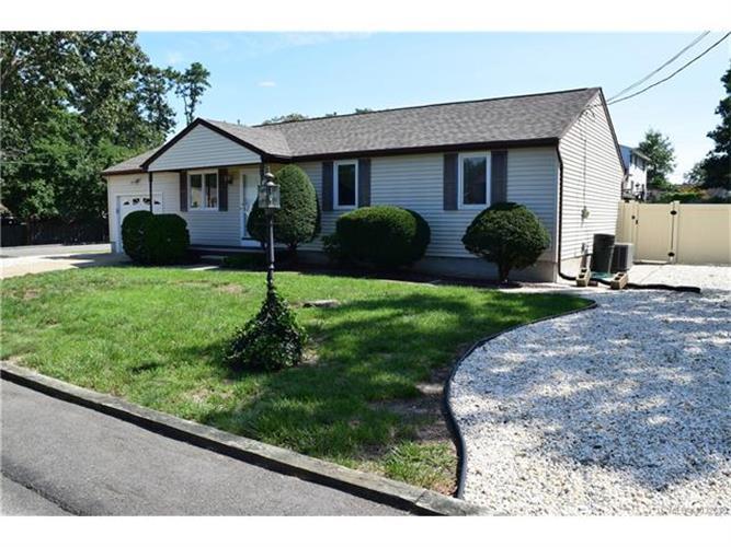 2013 Whitcomb, Lacey Township, NJ - USA (photo 1)
