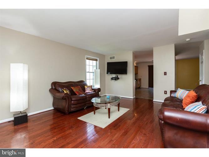 2363 Douglas Avenue, Aston, PA - USA (photo 2)