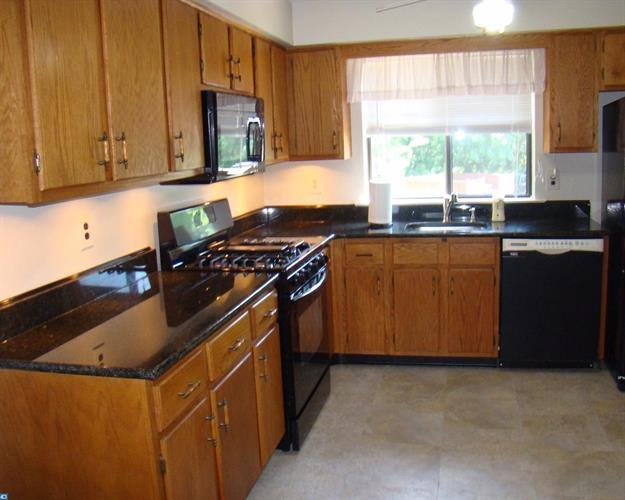 921 Woodmill Dr, East Windsor, NJ - USA (photo 5)