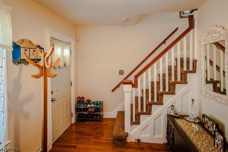 613 Somerset St, North Plainfield, NJ - USA (photo 2)