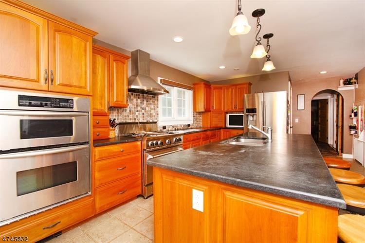 466 Bayberry Rd, Bridgewater, NJ - USA (photo 4)