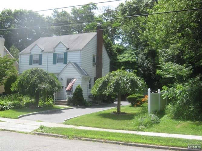 7 Darling Ave, Bloomfield, NJ - USA (photo 1)