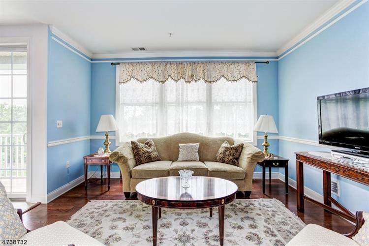 368 Victoria Dr 368, Bridgewater, NJ - USA (photo 1)